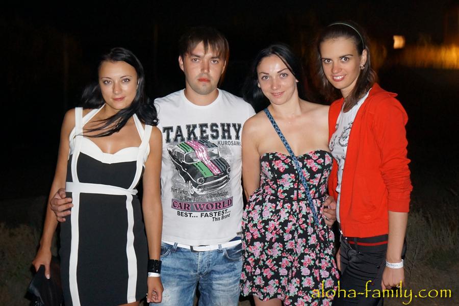 Моя жена и львовские красавицы с Николаем