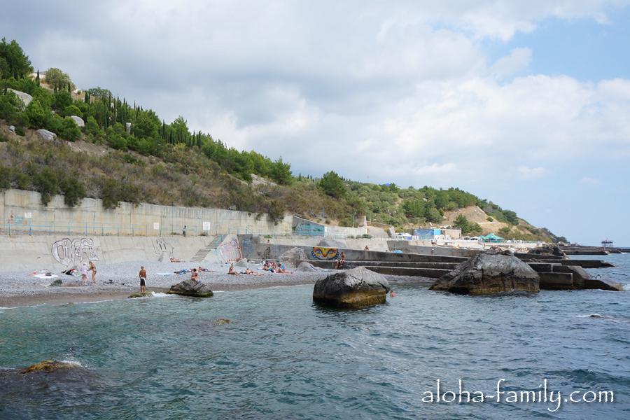 На пляжах Кацивели места хватает всем
