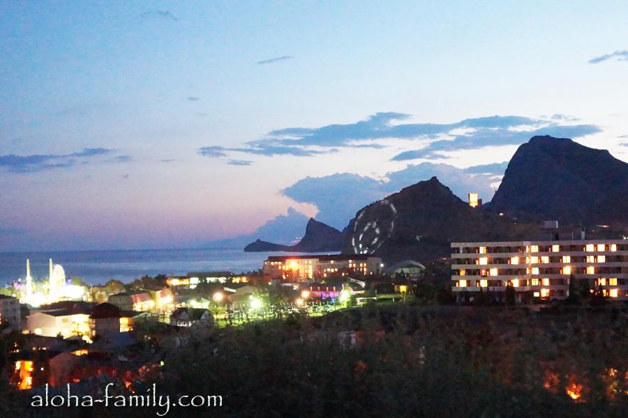 Вид с горы на закат в Судаке