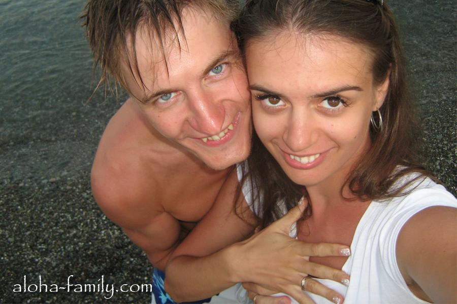 На пляже в Алуште - наш медовый месяц