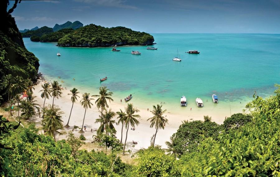 Один из островов в Национальном парке Ангтонг близ острова Самуи