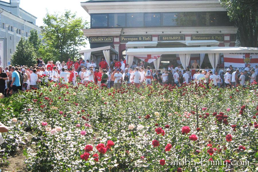Сотни английских фанатов в Донецке на Евро 2012