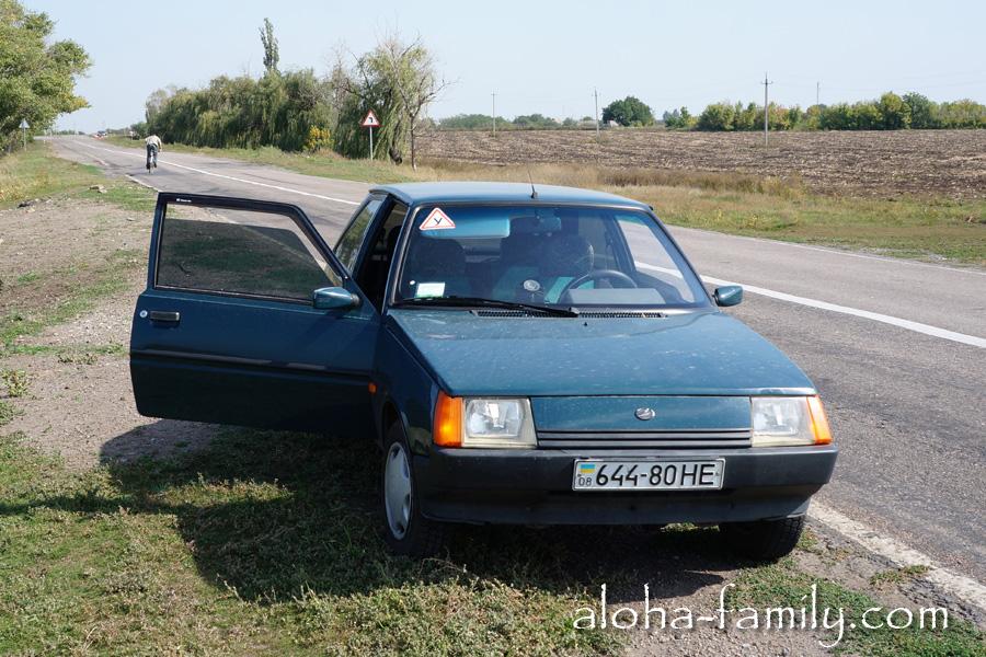 Наша скромная бывшая машина, которую мы продали за 5 дней до отлета в Таиланд