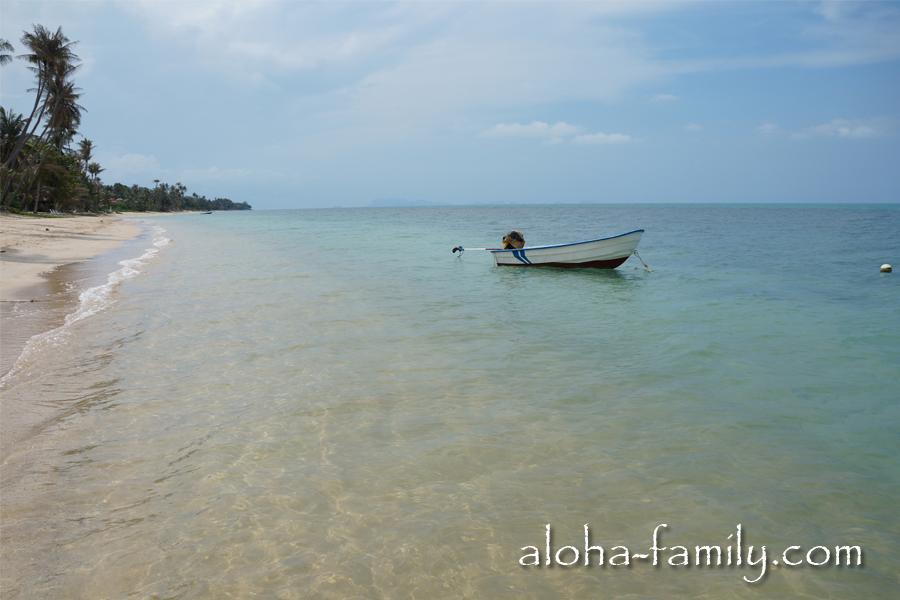 Банг По - это пальмы, лодки, рыбацкие снасти, шикарный вид на соседние острова и очень чистое море