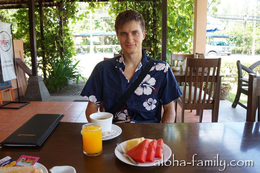 Наш первый завтрак на Самуи! :-)