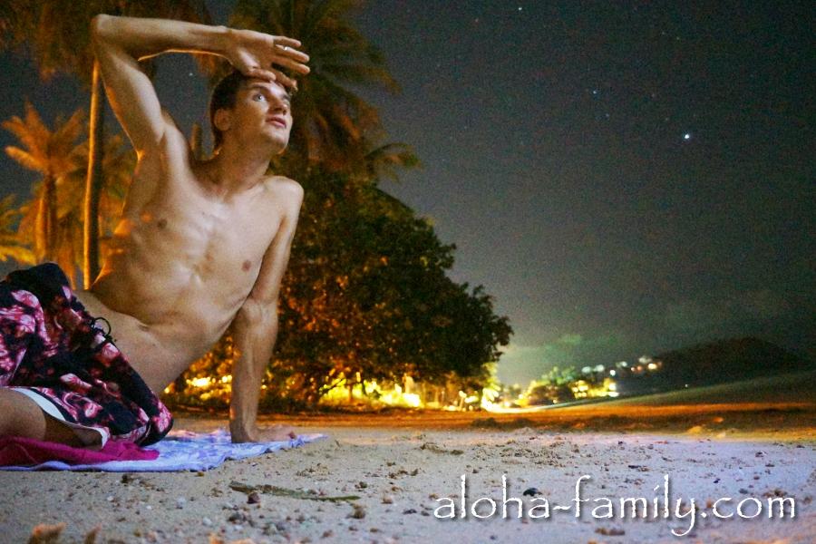 Наши ночные фото-эксперименты на пляже Bang Rak