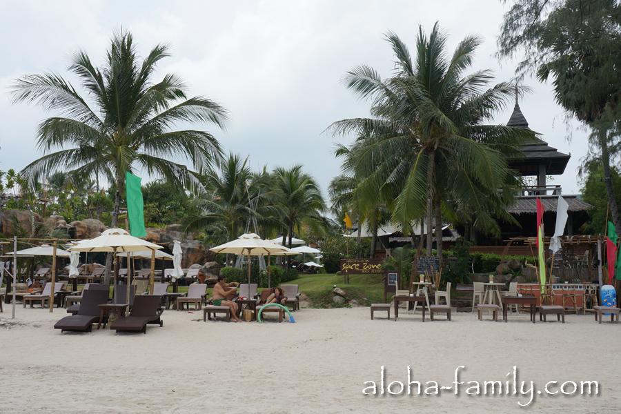 Очень хороший и чистый пляж Choeng Mon (Чонг Мон) находится в 4 км от нашего дома