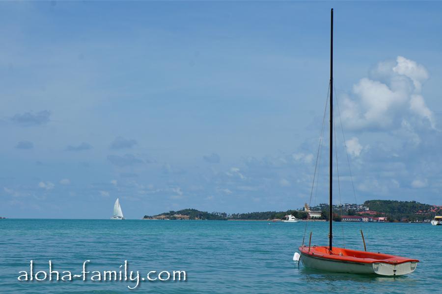 Полюбоваться лодкой на пляже Банг Рак на Самуи в ноябре - чем не мини-цель. :-)