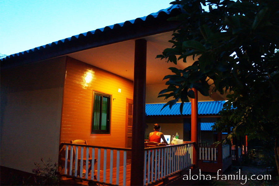 Lam Tong Resort - Леночка на веранде