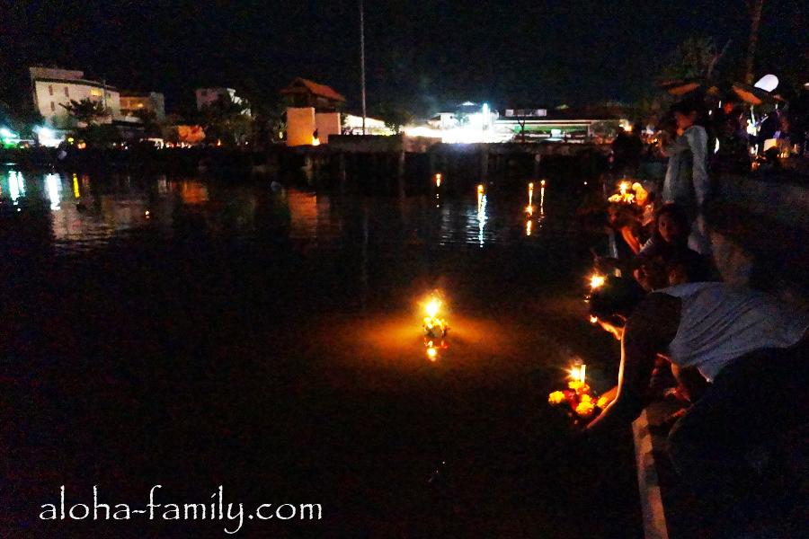 Массовый спуск лодочек на озере Чавенг 28 ноября 2012 года в полнолуние!
