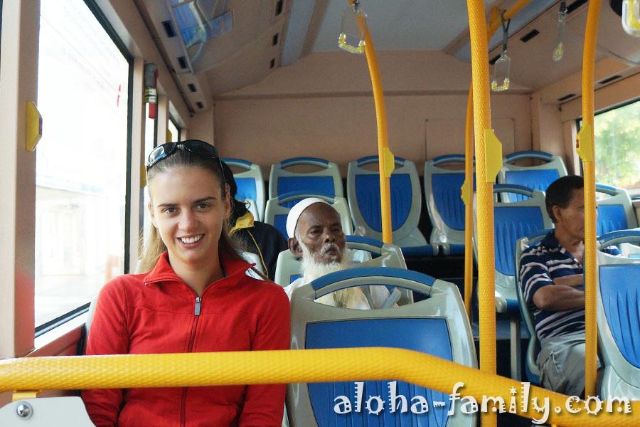 Автобус на Пинанге с кондиционером и колоритным дядькой)))
