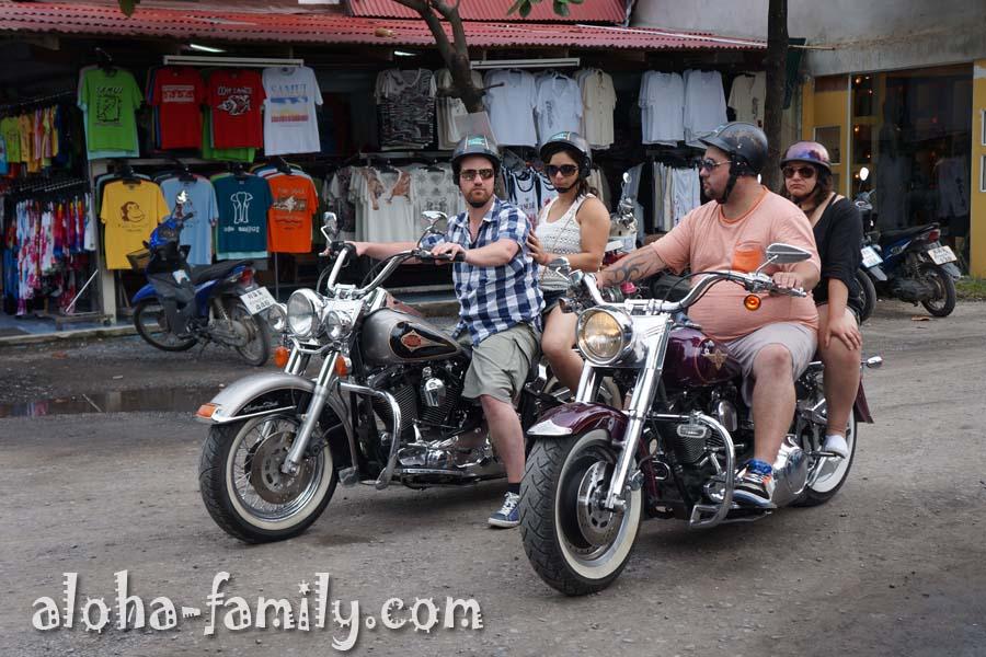 Если вы хороший человек, которого много, то в Таиланде есть вот такие мотоциклы - увезут любого)))