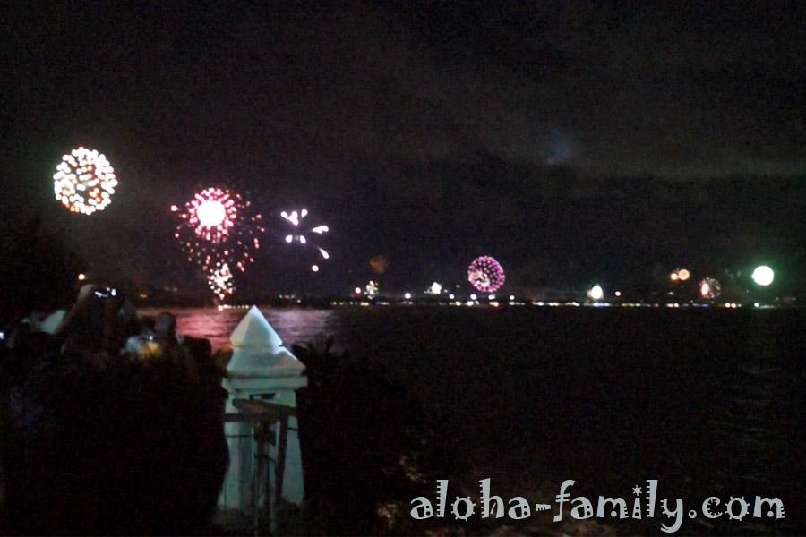 Фейерверк на Чавенге приветствует Новый год 2013!