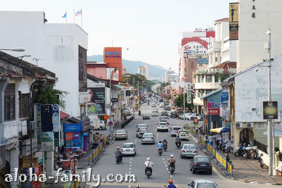 Georgetown, Malaysia - вид с надземного пешеходного перехода