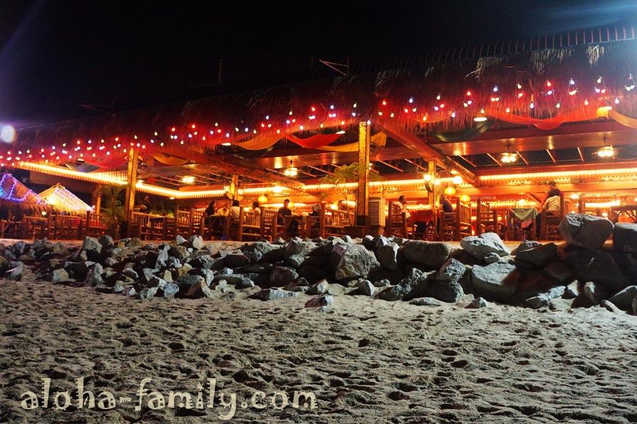Кафешки, вид с моря - Batu Ferringhi Beach