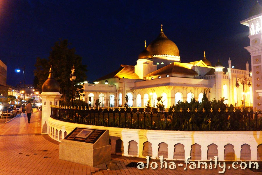 Красивая мечеть в Пинанге, Малайзия