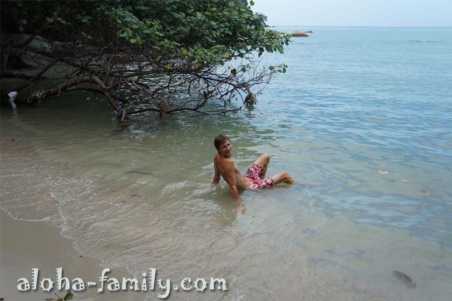 Уставший путник может запросто охладиться в море - по дороге попадется немало мини-пляжей