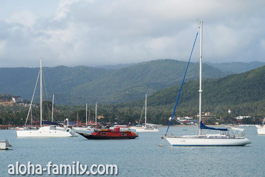 Медленно покидаем бухту Банг Рак и начинаем отдаляться от Ко Самуи
