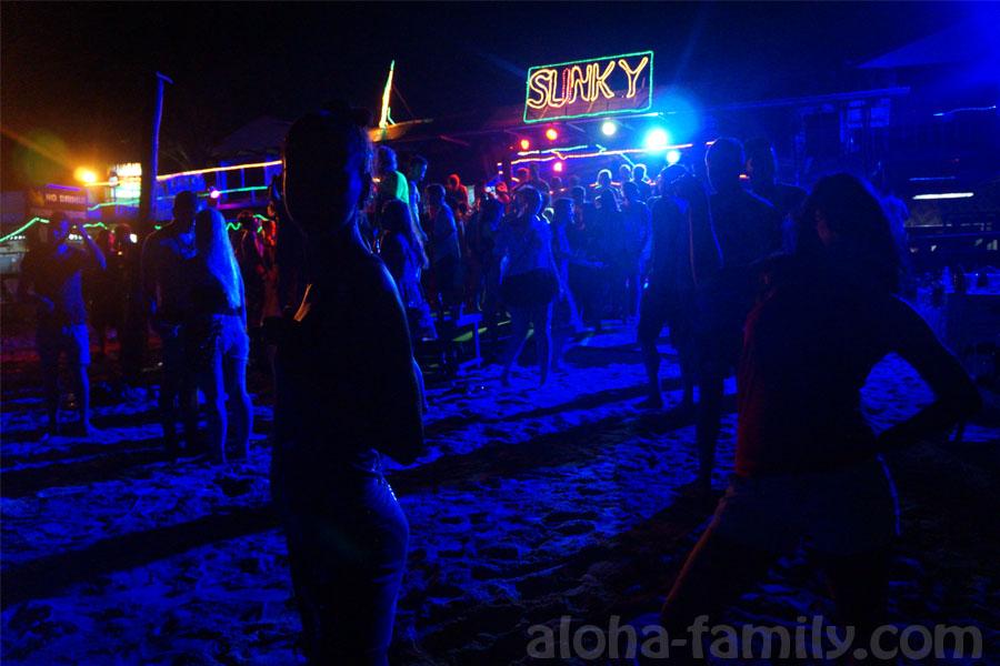 Дискотека Slinky на Phi Phi