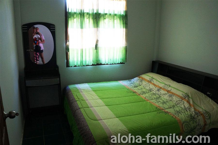 Две почти одинаковые спальни, но одна без кондиционера
