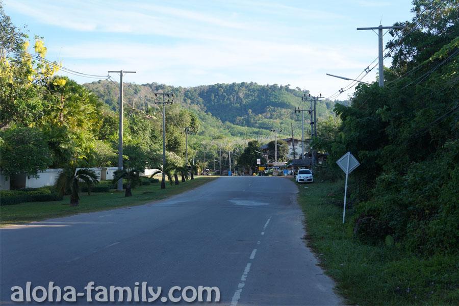 Главная дорога Ко Ланты в 8 утра