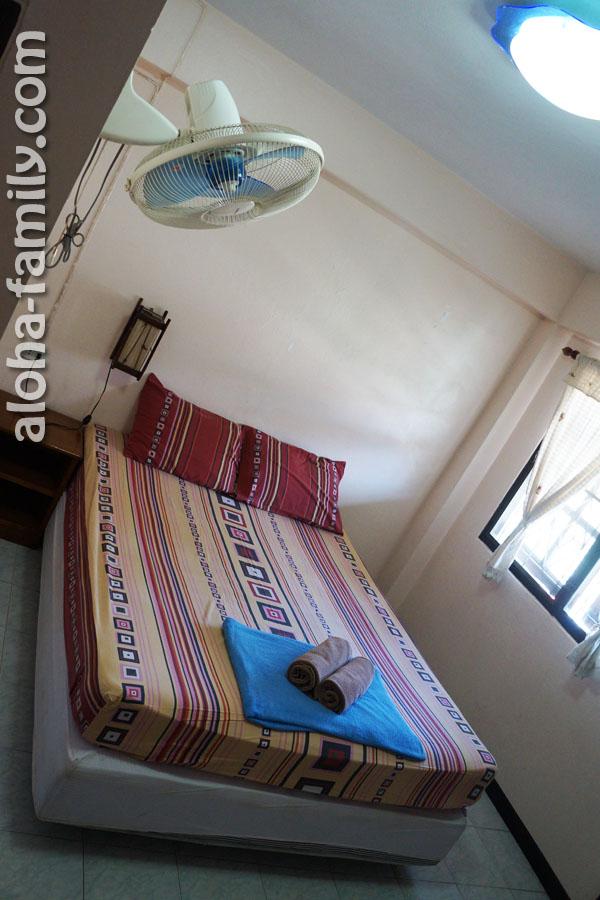 Наш гестхаус на Пхи-Пхи - комната за 600 бат со всеми удобствами, вентилятором и большим балконом