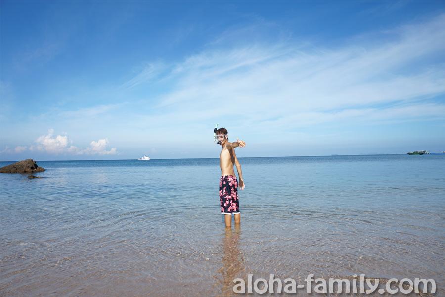 Небольшой пляж возле Rawi Warin Resort and Spa - отличный утренний снорклинг!