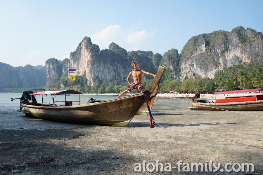 После хорошего отдыха я решил стать капитаном тайского судна! =)))