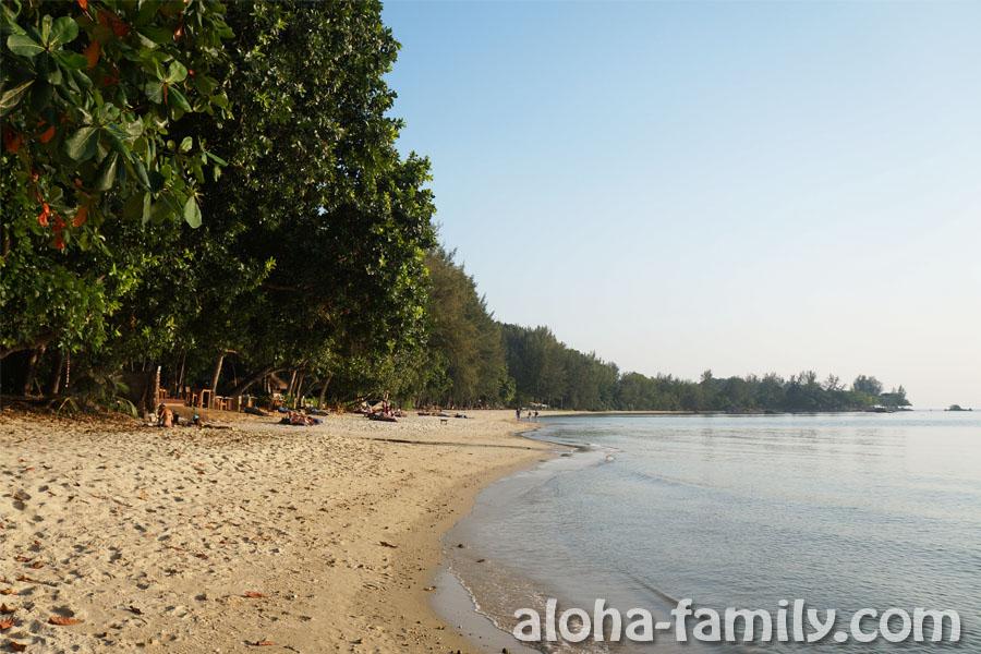 Таб Каёк - прекрасный пляж, на котором много места!