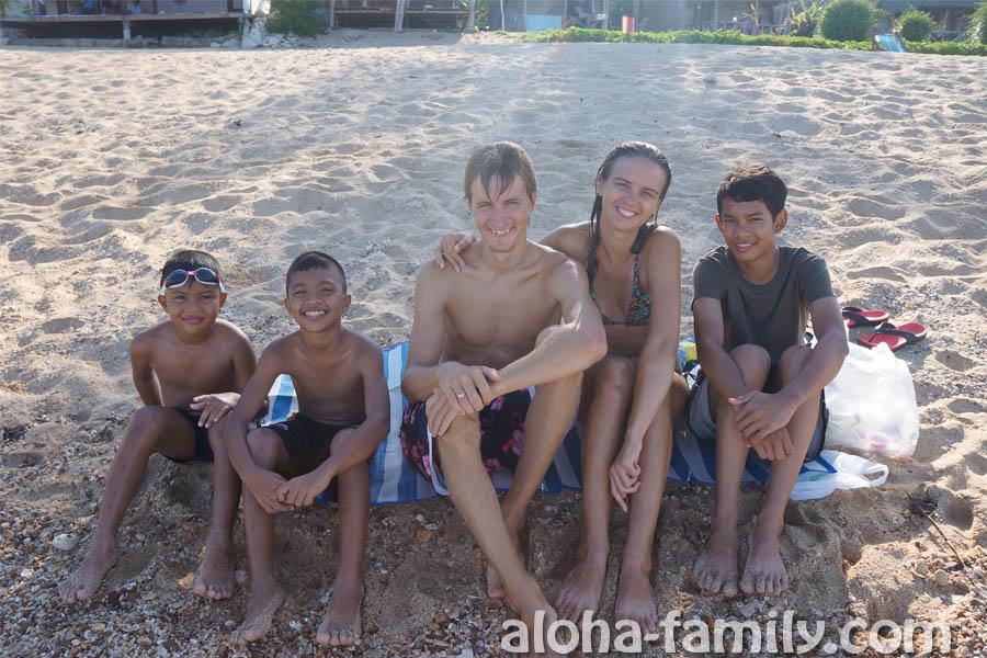 Тайские дети сами подошли и попросили сфоткаться!))