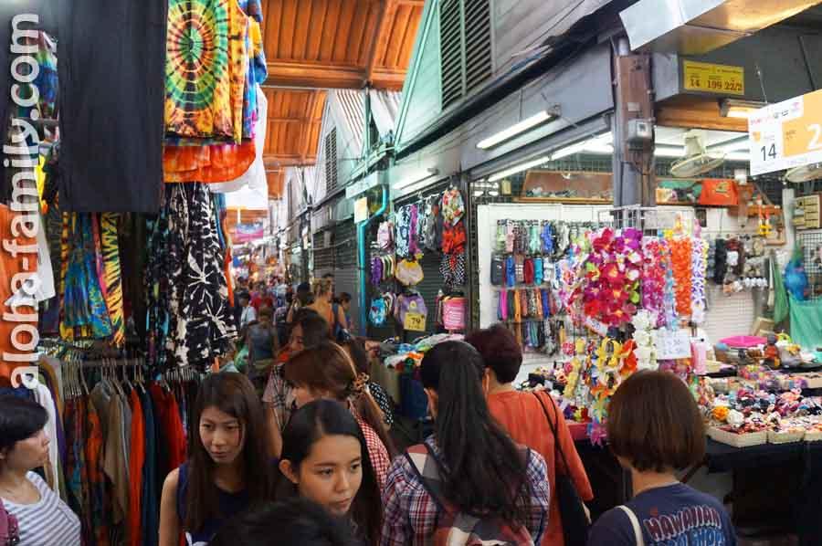Chatuchak Weekend Market - узкие ряды, зато есть ВСЁ!
