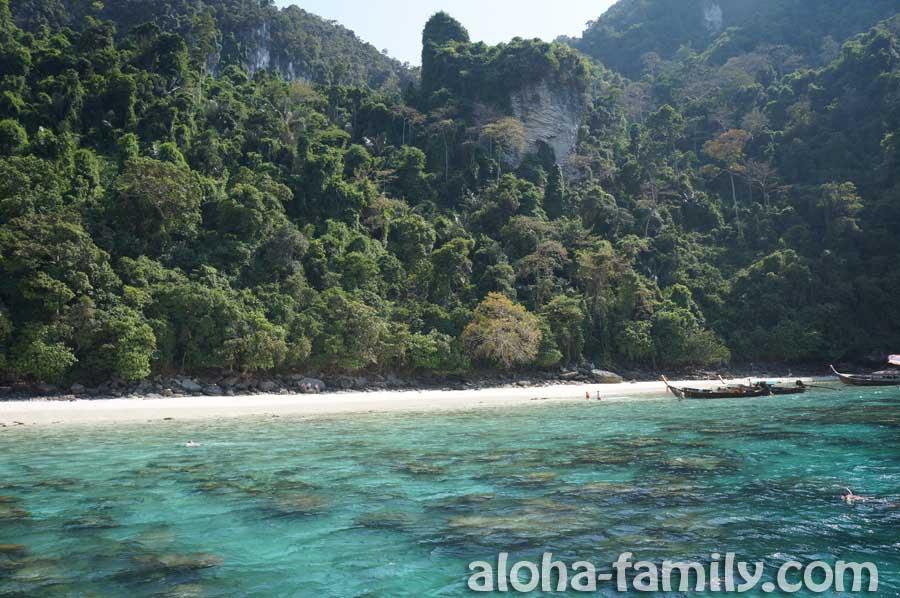 Monkey Beach на Пхи-Пхи - отлив