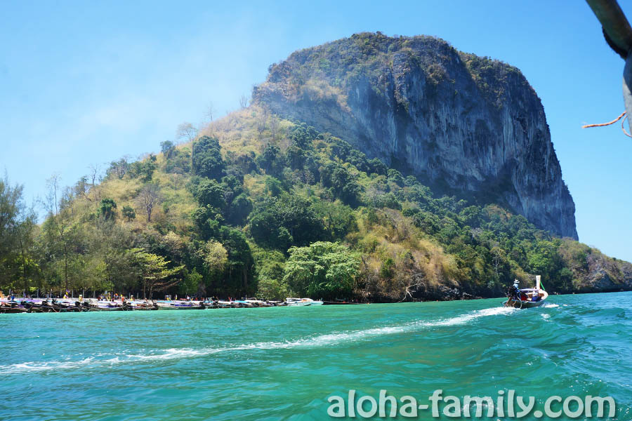 На подступах к главному пляжу острова Пода