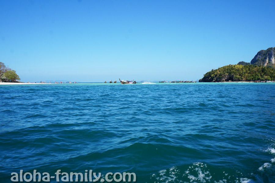 Объехали вокруг Chicken Island - справа показался остров Tup