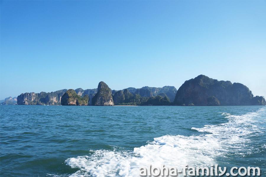 Отдаляемся от материка - Таиланд, провинция Краби (Ао Нанг и Рейли видны вдалеке)