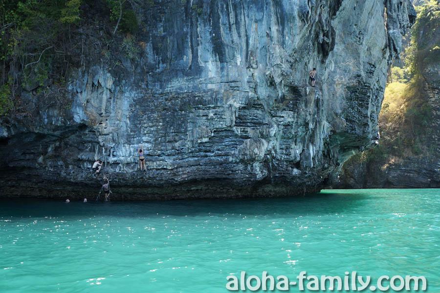 Скалолазание и прыжки в воду на острове Пода