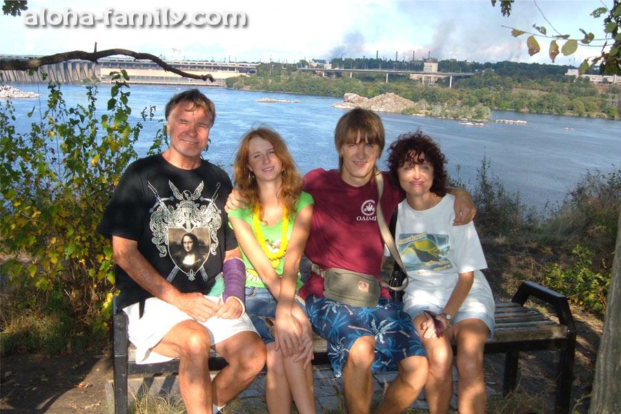 Чистый запорожский воздух радует глаз даже в заповеднике Хортица (2009 год)