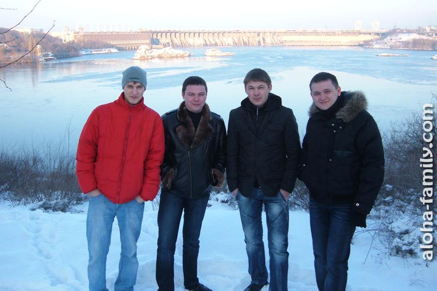Гуляем с друзьями на Хортице зимой (2010 год)
