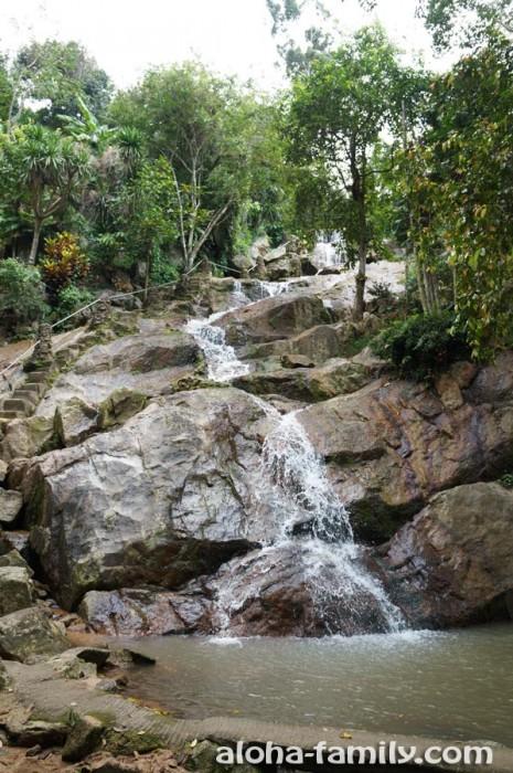 Khowyai Waterfalls во всеоружии