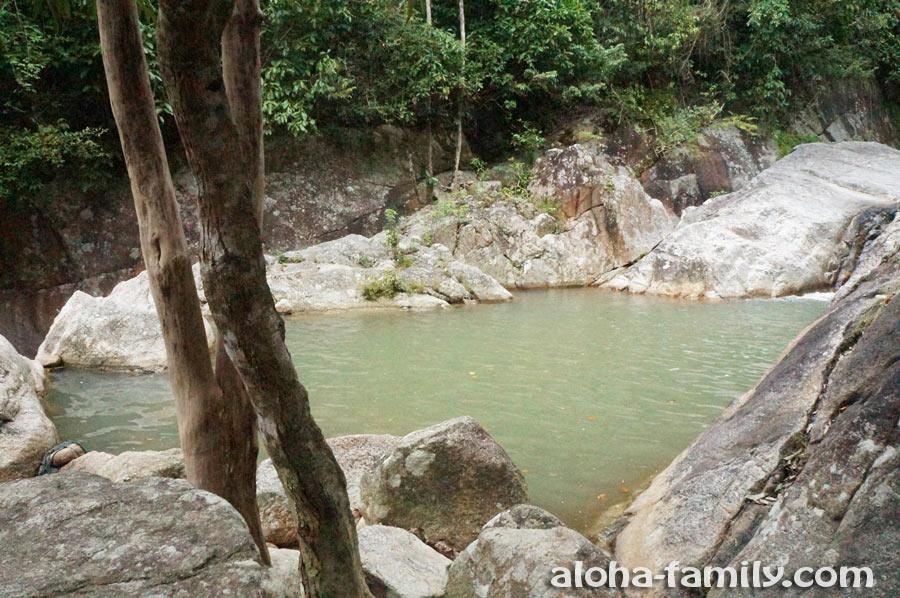 Одна из самых больших купален на На Муанг (главное, чтобы там крокодилы не водились или лохнесское чудовище)))