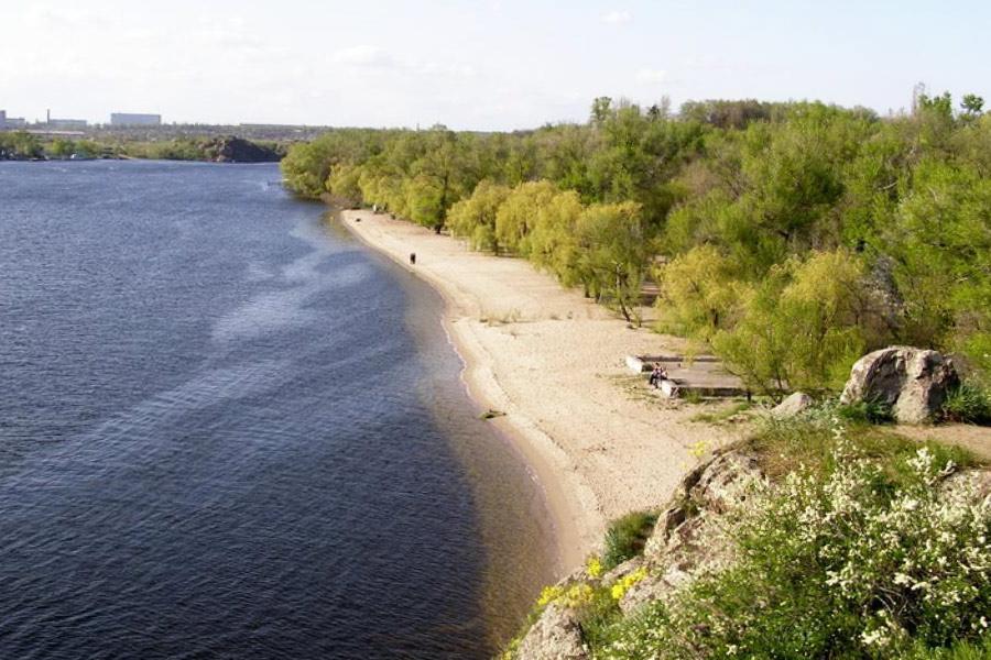 Пляж на Хортице с другого ракурса и в другое время года