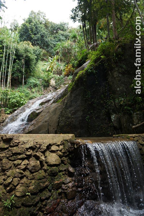 Подхожу к Khowyai Waterfalls - пока что не впечатляет...