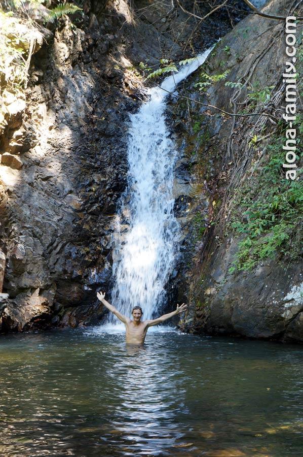 Купальня одного из следующих водопадов чуть поглубже