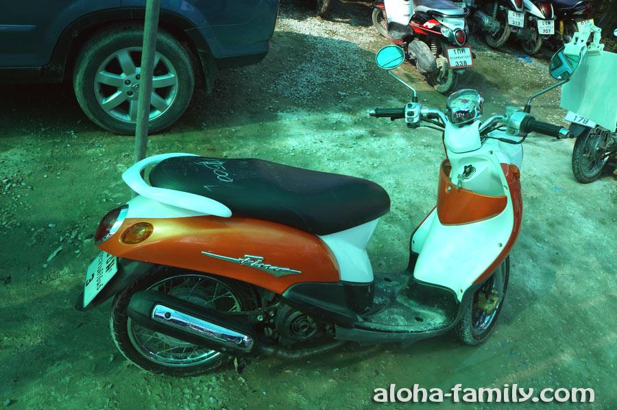 Пятилетний б/у байк Yamaha Fino за 17,500 бат