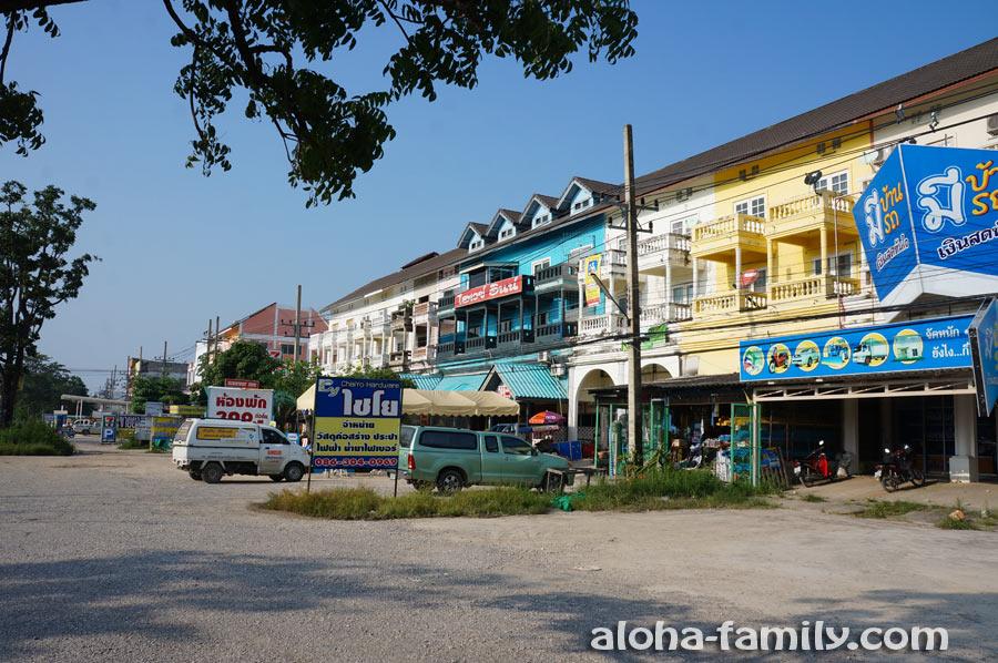 Контора по продаже байков в пяти километрах к югу от Хуа Хина