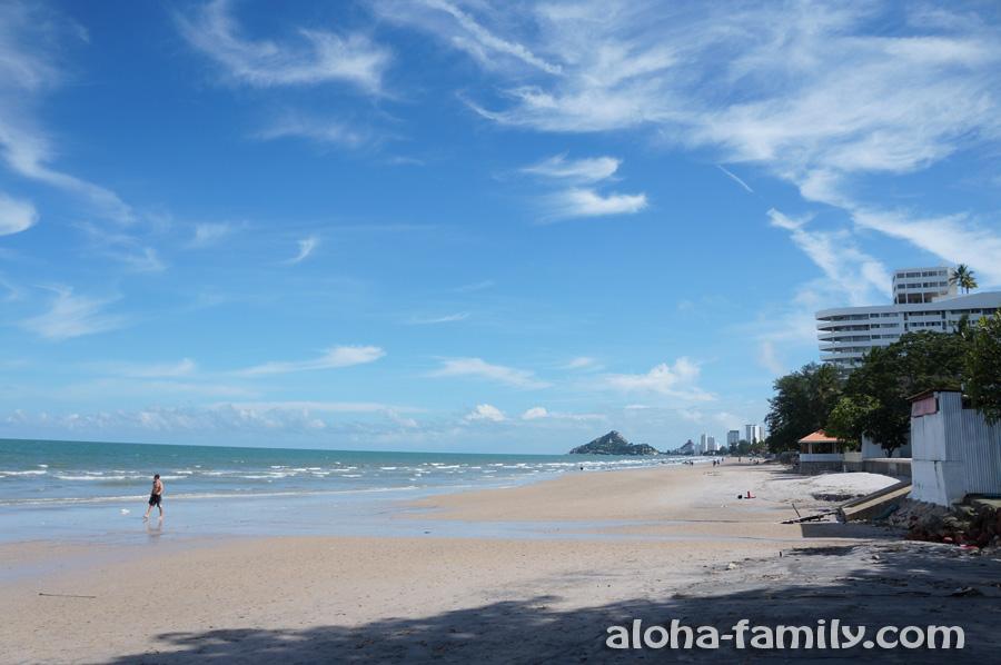 Городской пляж ХХ в солнечный день