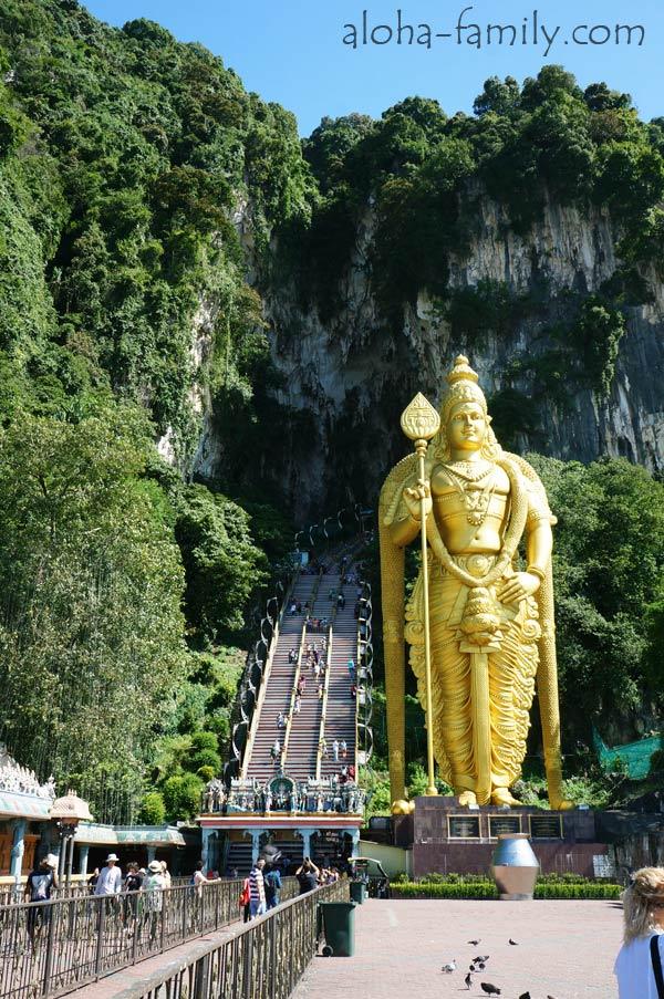 43-метровая статуя бога Муруга
