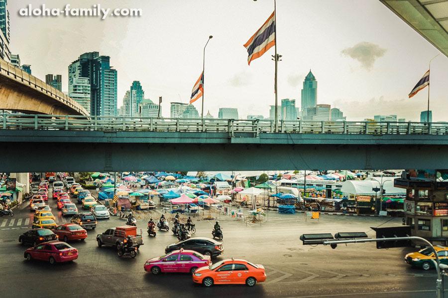 В Бангкоке 7 утра - жизнь бьёт ключом!