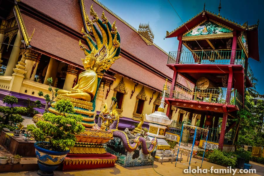 Золото буддистского храма завораживает