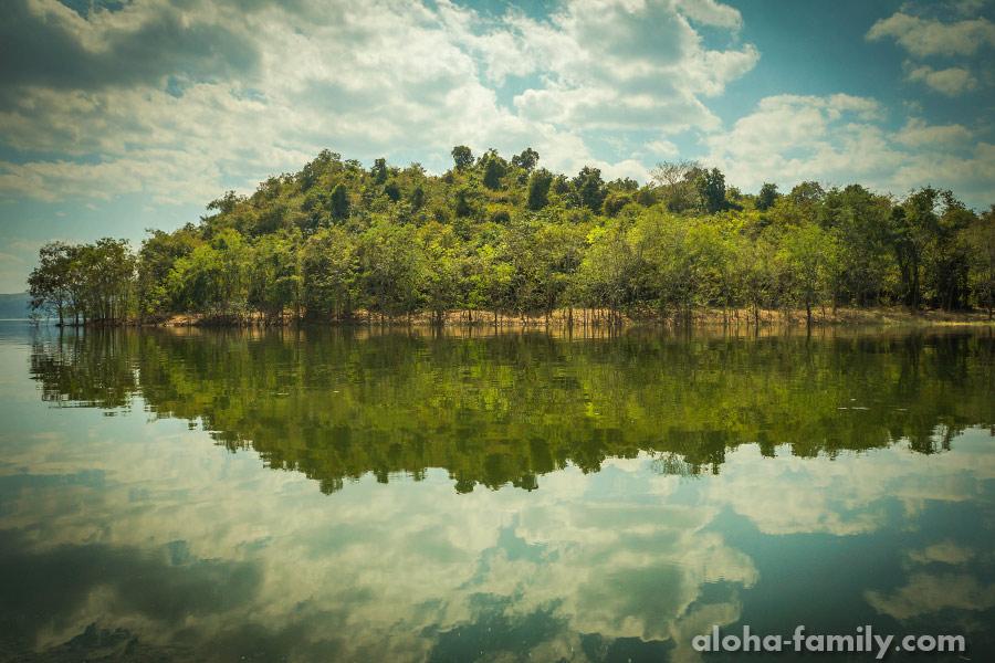Один из островков в национальном парке Kaeng Krachan